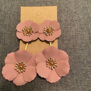 NWT pink flower earrings